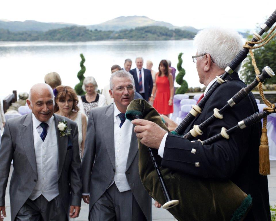 Wedding at Lodge on Lomond with bagpipes