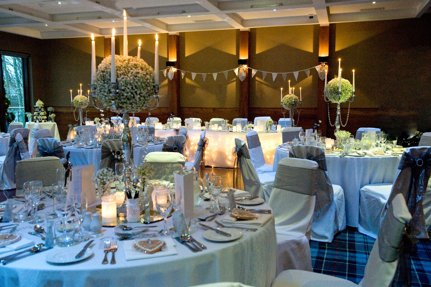 Wedding at Lodge on Lomond table setting