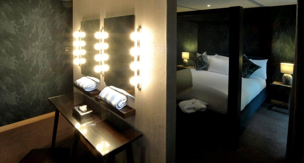 Travis Suite Bedroom