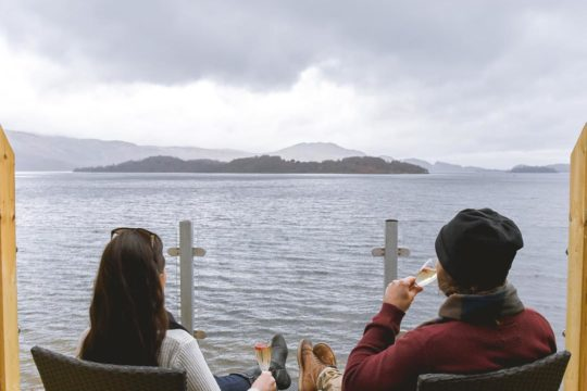 coupletraveltheworld Lodge on Loch Lomond